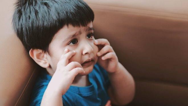 Gritar nem sempre é só um desabafo dos pais, mas esse comportamento pode vir carregado de uma dose de agressão psicológica