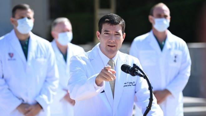 Sean Conley, chefe da equipe de médicos que atende o presidente Donald Trump