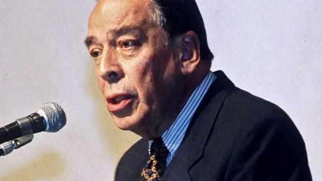 O ex-candidato presidencial da Colômbia Alvaro Gómez Hurtado, em foto de maio de 1995. A ex-guerrilha das Farc assumiu a autoria de vários crimes, incluindo o assassinato de Hurtado em 1995