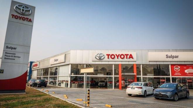 Fachada da concessionária Toyota Sulpar, no Hauer
