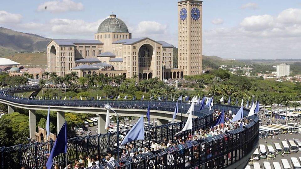 Santuário de Aparecida tem arquitetura monumental com 72 mil m²