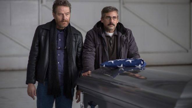 """Bryan Cranston e Steve Carell em cena de """"A Melhor Escolha"""""""