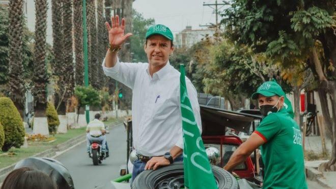 Na Bolívia, candidato de direita retira candidatura para enfraquecer partido de Morales