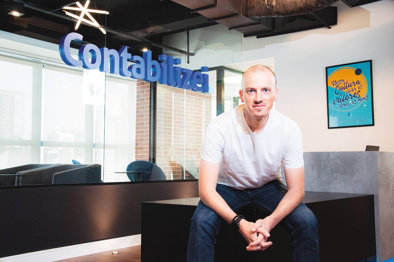 """Vitor Torres, CEO da Contabilizei: """"Mesmo com pandemia, mantemos nosso planejamento de crescer duas vezes em 2020""""."""