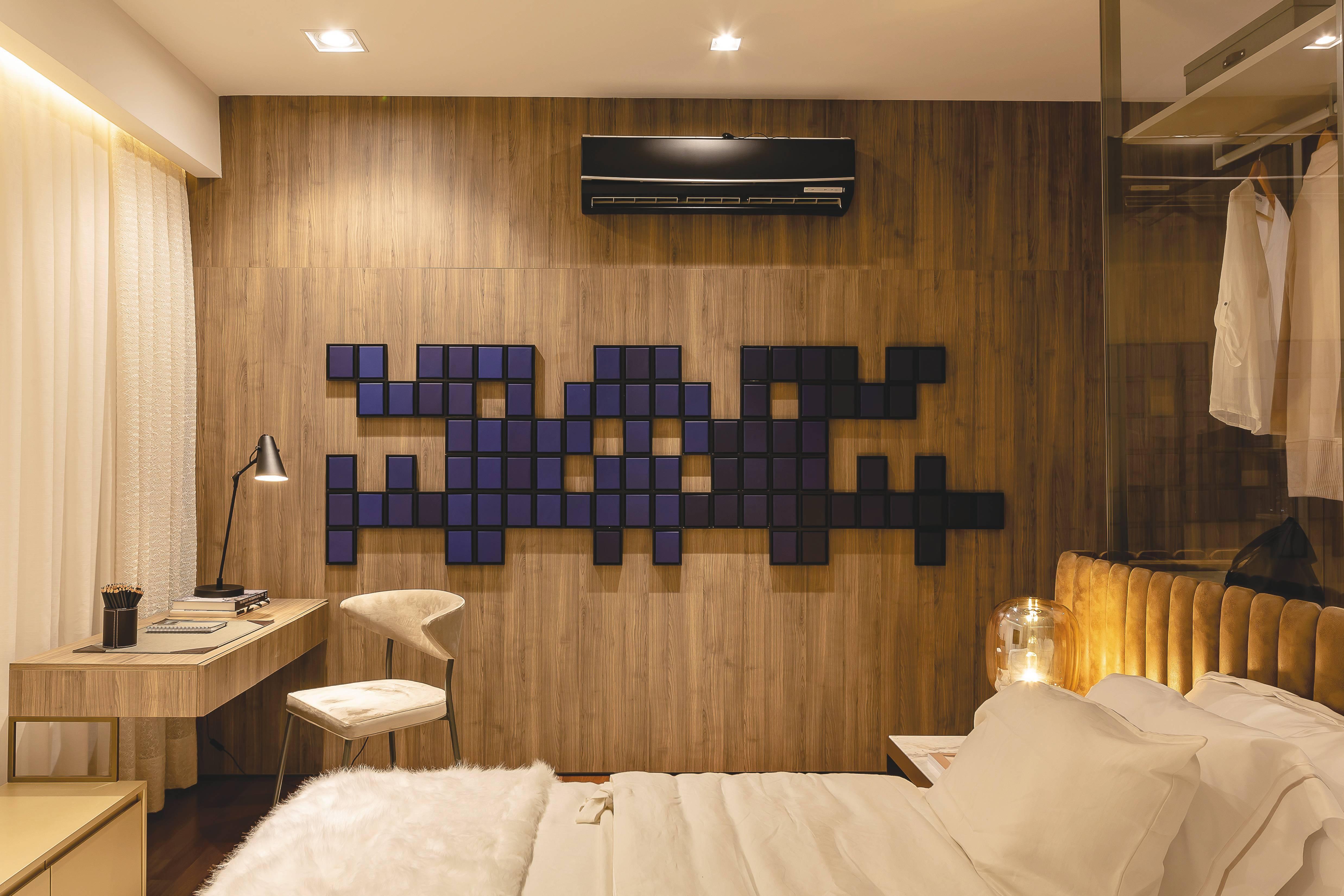 O quarto, além de um espaço de privacidade, tem sido um dos lugares adaptados para home office durante a pandemia.