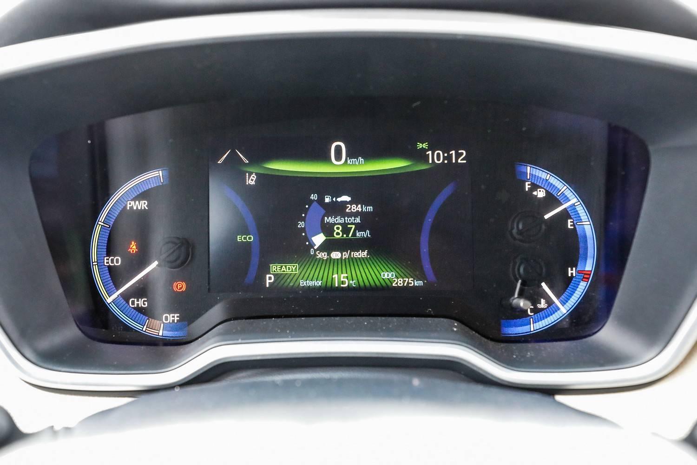 Toyota Corolla Hybrid painel digital