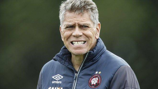 Paulo Autuori foi anunciado como novo diretor técnico do Athletico.