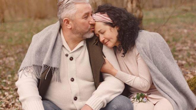 Três sugestões de perguntas que podem ser feitas com frequencia ao seu cônjuge, para fazer a manutenção do casamento.