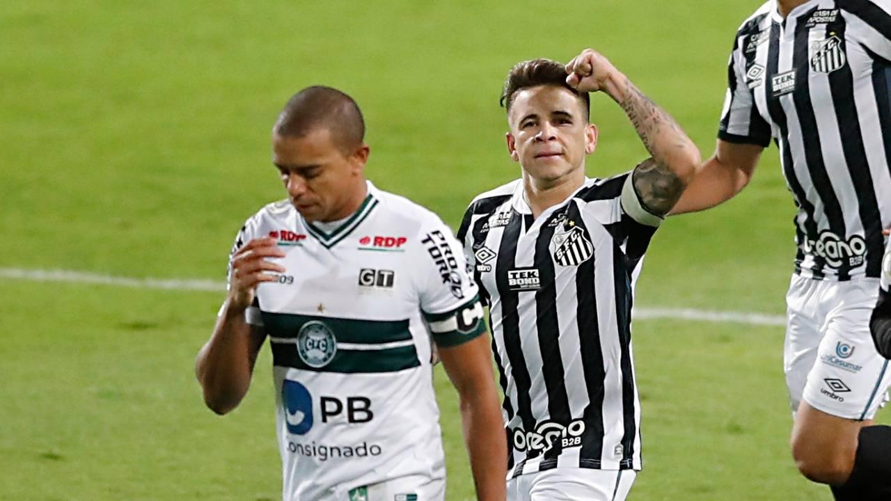 Coritiba perdeu para o Santos no Couto. Foto: Albari Rosa/Foto Digital/Gazeta do Povo.
