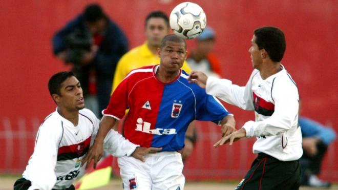 Renaldo foi vice-artilheiro do Brasileirão de 2003 com  a camisa do Paraná