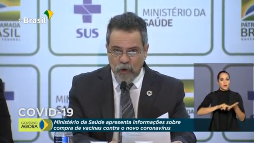 "Vacina ""chinesa"": governo admite possibilidade de compra, mas só de doses feitas no Brasil"