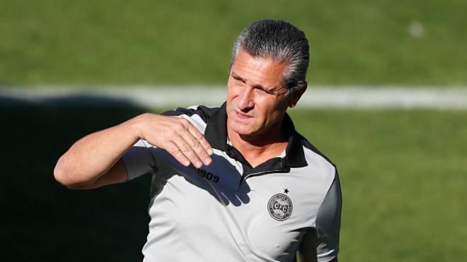 Jorginho terá de mexer na equipe do Coritiba contra o Ceará