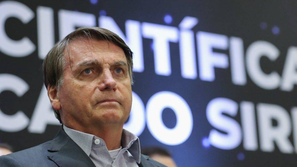Veto de Bolsonaro à vacina chinesa tem as eleições de 2022 como pano de fundo