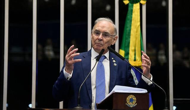Vítima da Covid-19, Arolde de Oliveira defendia uso de cloroquina no tratamento