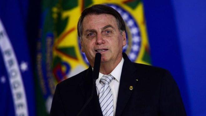 Bolsonaro nomeia reitores de esquerda e de direita