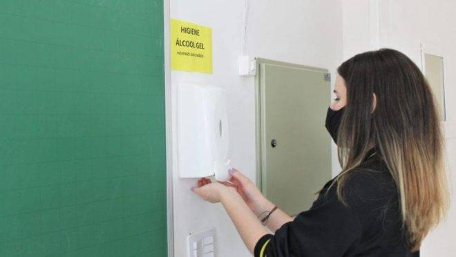 APP-Sindicato vai à Justiça para tentar suspender reabertura de escolas no Paraná
