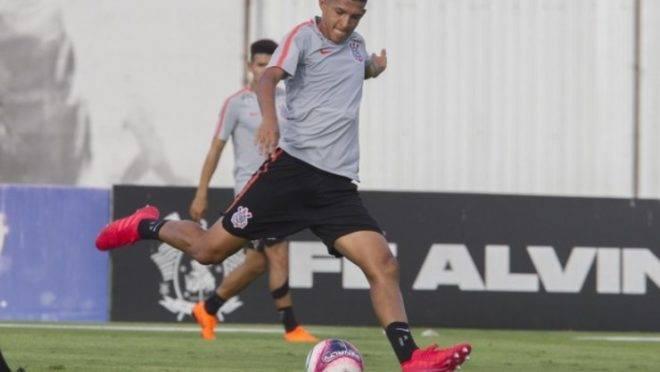 Após negociação com o Corinthians, Paraná está próximo de anunciar atacante