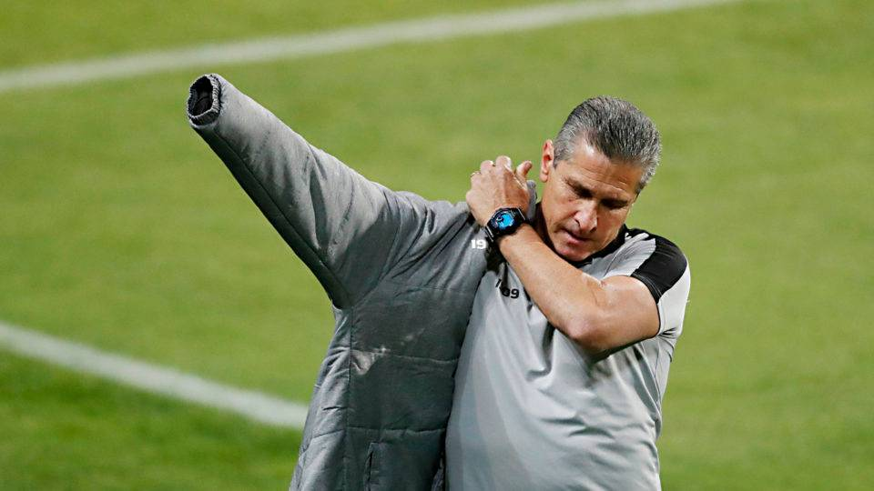 Jorginho é demitido e não é mais técnico do Coritiba