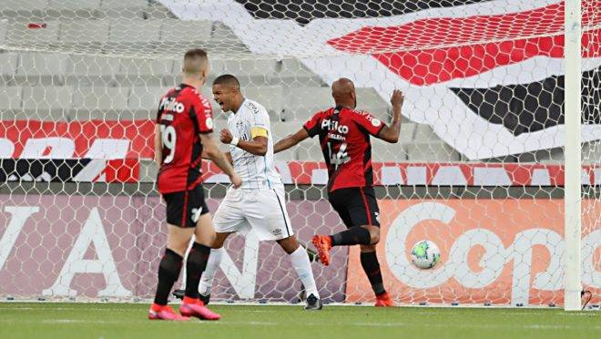 Gol contra de Thiago Heleno foi o começo da virada do Grêmio.