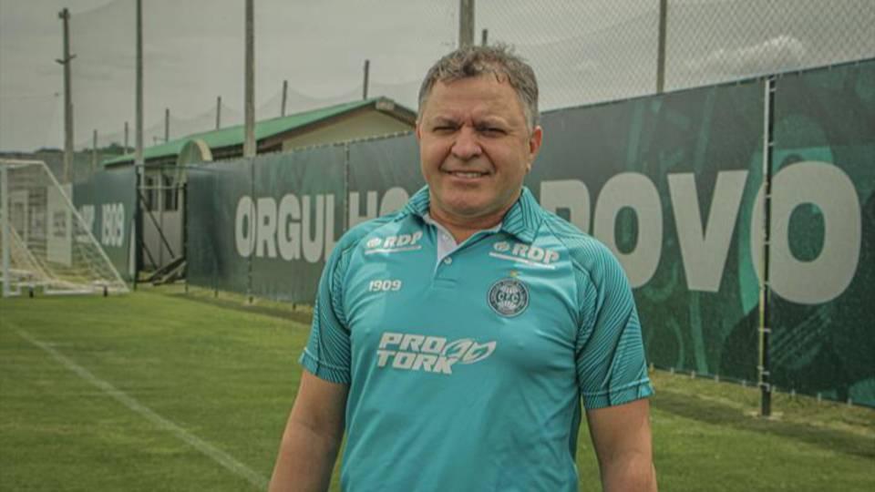 Coritiba contrata Pachequinho como auxiliar-técnico
