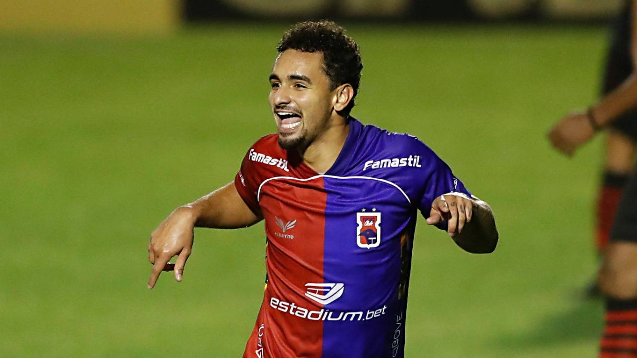 Bruno Gomes marcou duas vezes. Foto: Albari Rosa/Foto Digital/Gazeta do Povo.