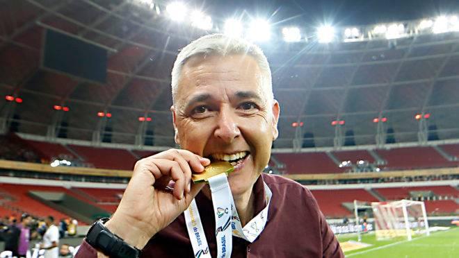 Tiago Nunes está sem clube desde a saída do Corinthians