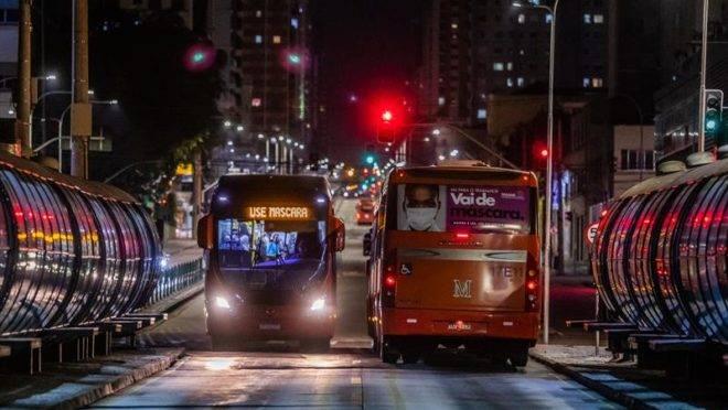 Curitiba teve mais 352 casos de coronavírus nesta quarta.