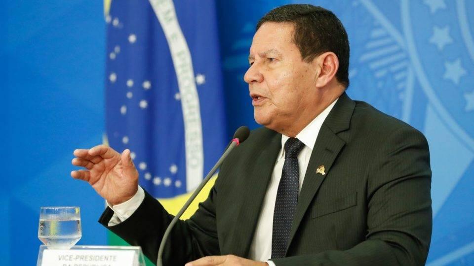 """""""Impacto da pandemia seria igual à da grande depressão e de 2008"""", diz Mourão"""