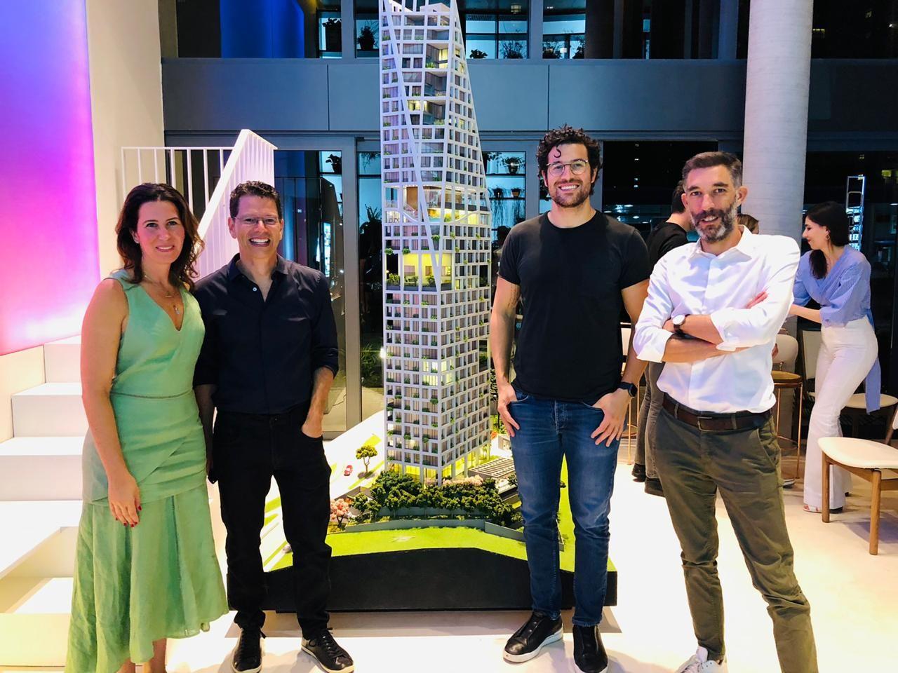 A médica e diretora da AG7, Andressa Gulin; o arquiteto e diretor da Realiza Arquitetura, Frederico Carstens; o CEO da AG7, Alfredo Gulin Neto; e o sócio-fundador da Triptyque Architecture, Gregory Bousquet.
