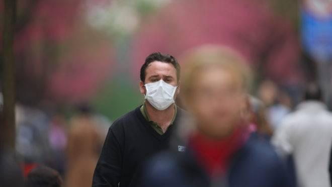 Máscara faz parte do combate ao coronavírus.