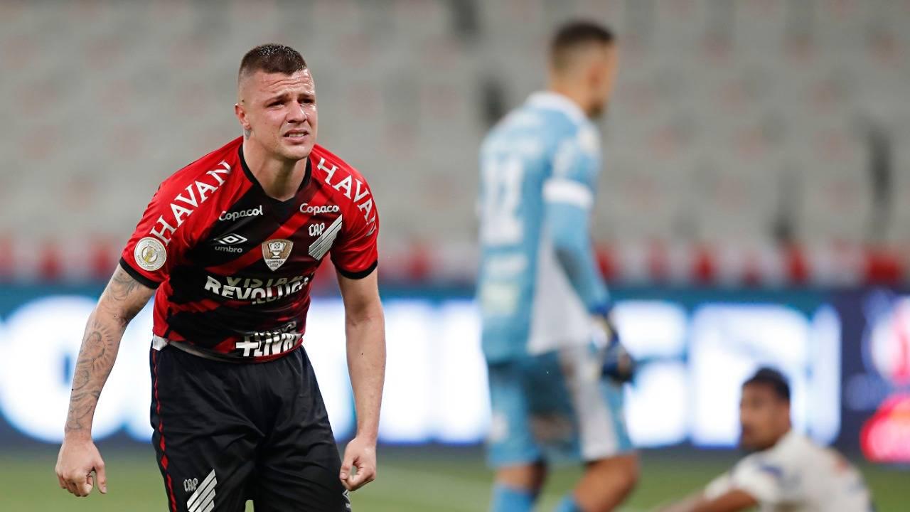 Athletico voltou a vencer após 11 jogos