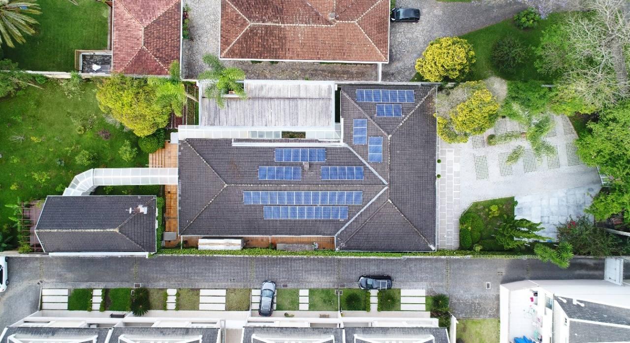Vista aérea da sede do escritório de Curitiba que foi o primeiro edifício brasileiro a receber a certificação LEED Zero Carbon.