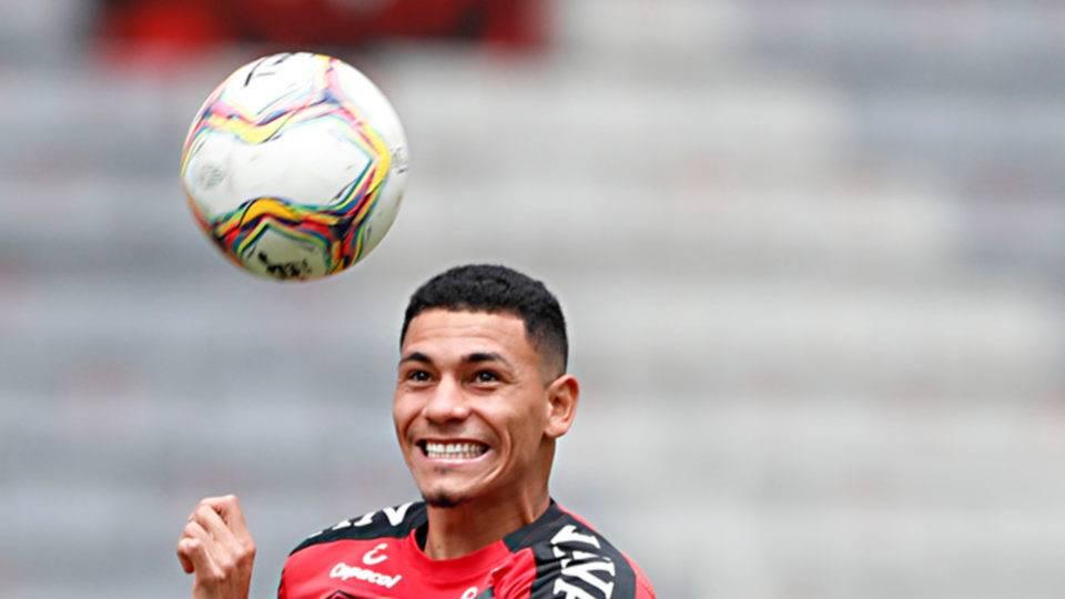 Após Pedrinho, Athletico empresta volante para time de Série B