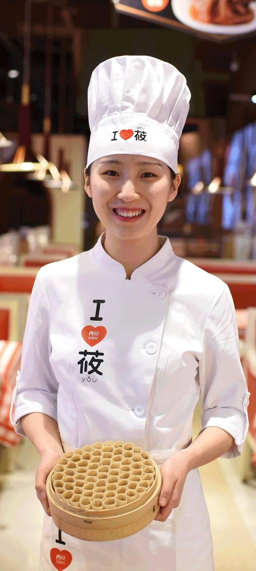As massas de farinha de aveia, nomeada aveia crua, é o grande diferencial do restaurante, como os ingredientes regionais de altíssima  qualidade.