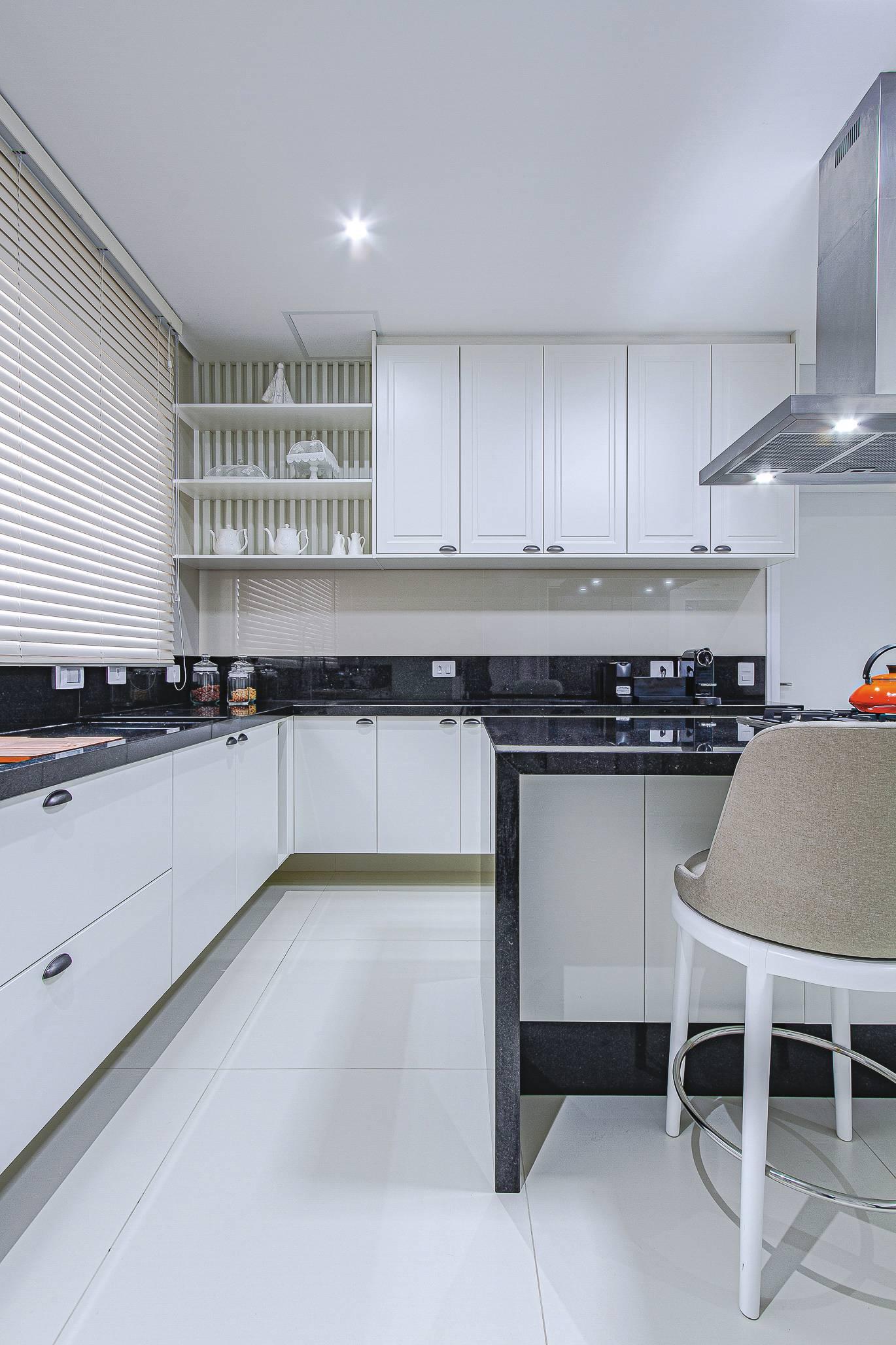 Cozinha separada foca em funcionalidade.