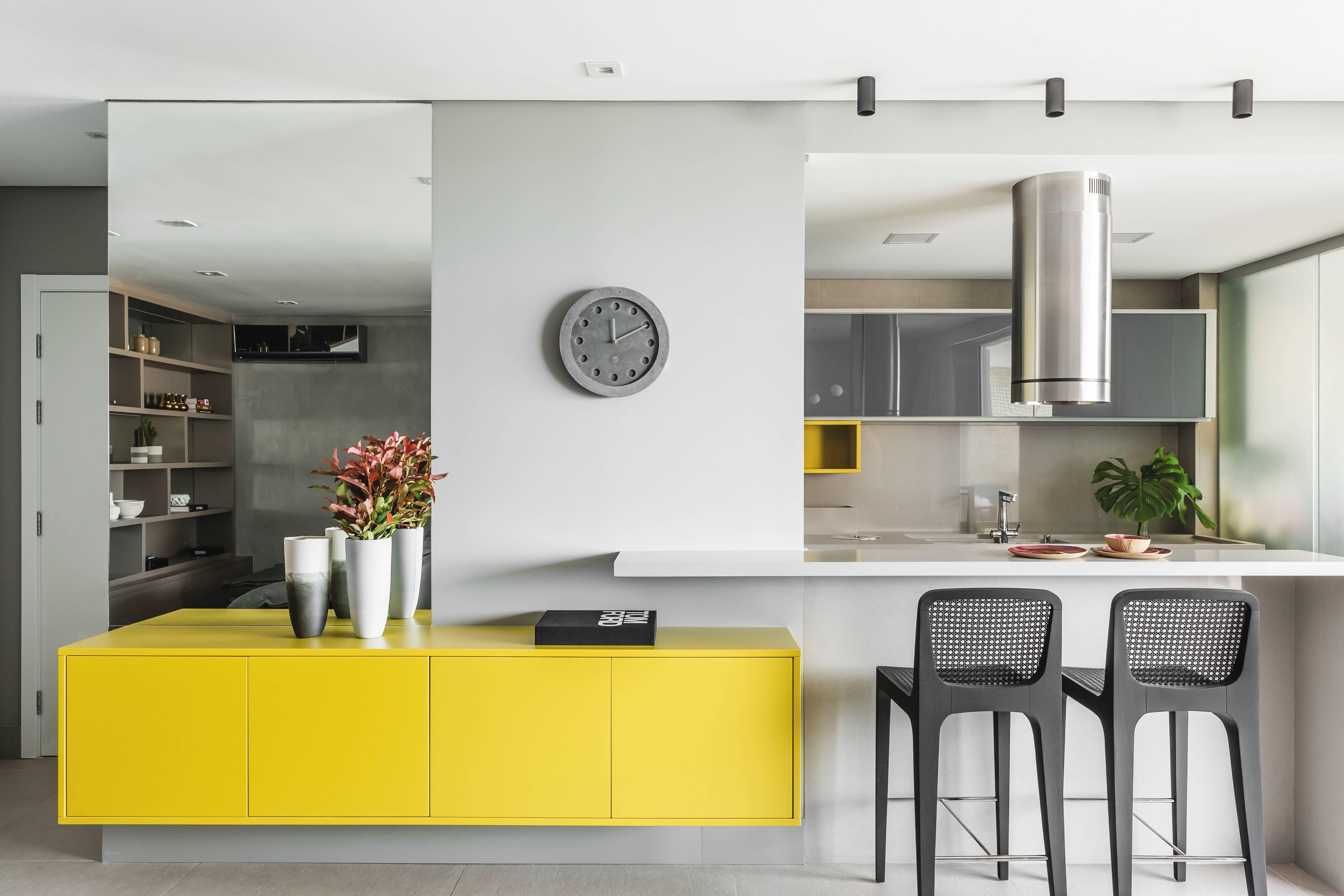 Amarelo é peça chave na consistência do design.