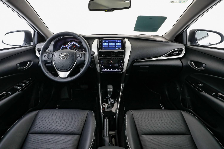 Interior do Toyota Yaris
