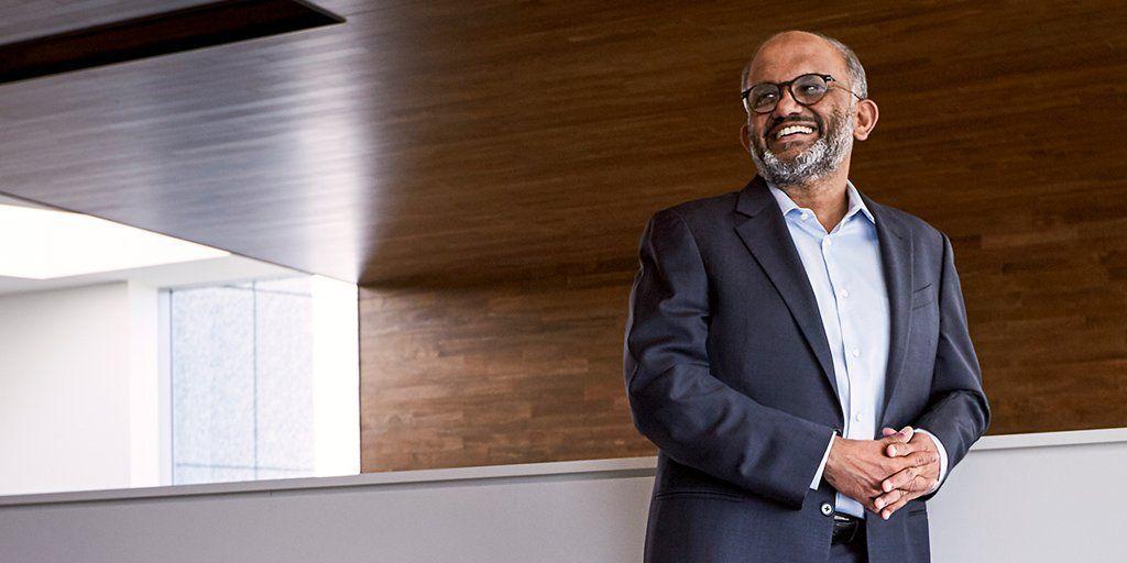 Shantanu Narayen, CEO da Adobe e responsável por levar a empresa ao topo