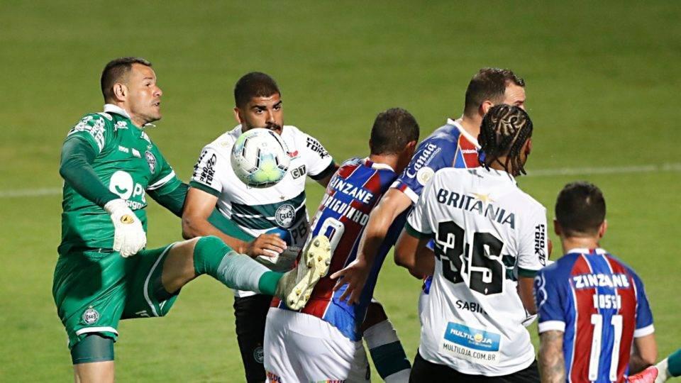 Coritiba sofre derrota inesperada e o irregular Athletico desafia Sampaoli