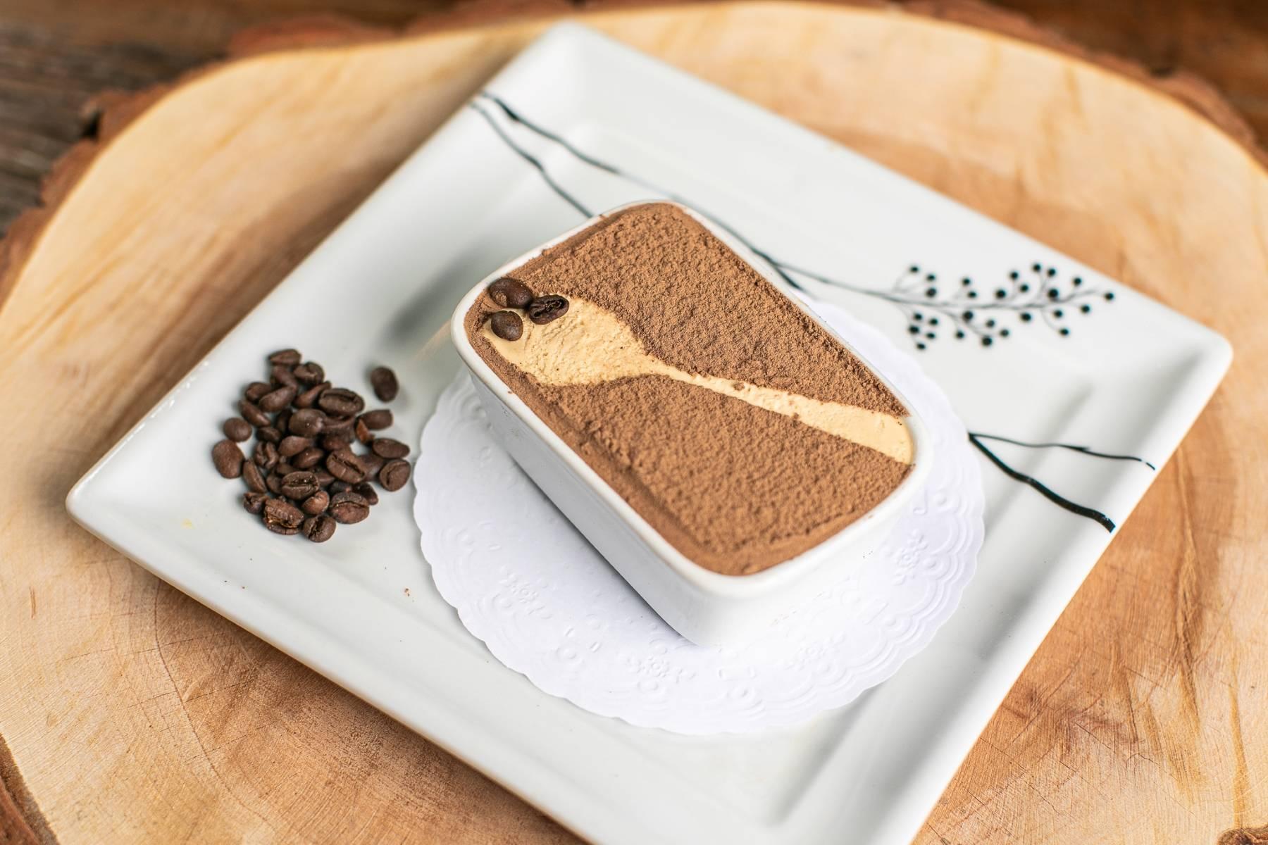 Tiramisu Fadanelli, preparado com café e doce de leite, sobremesa do Cantina Famiglia Fadanelli.
