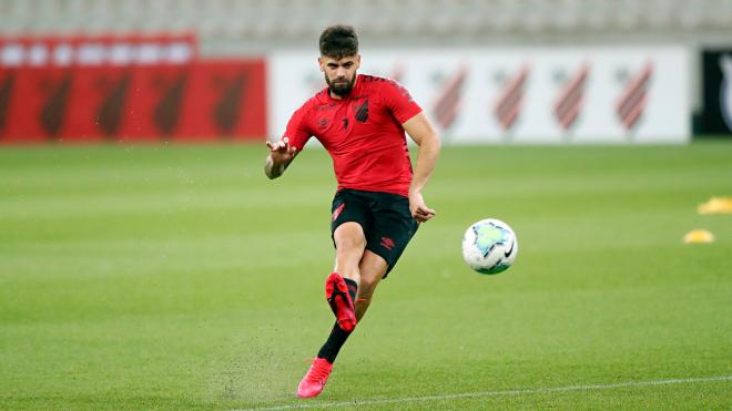 Canesin vinha crescendo do Athletico; agora está vetado com o novo coronavírus