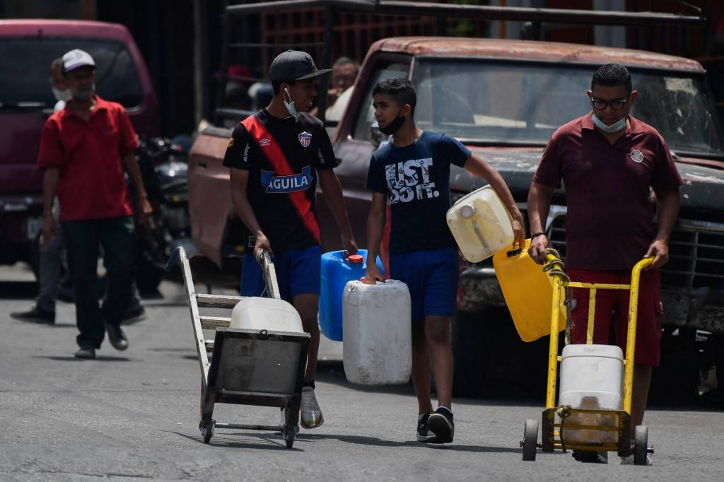 Venezuelanos ficam sem água durante pandemia de Covid-19. Hospitais também sofrem com falta de água, sabão e equipamentos de proteção | Foto Federico Parra