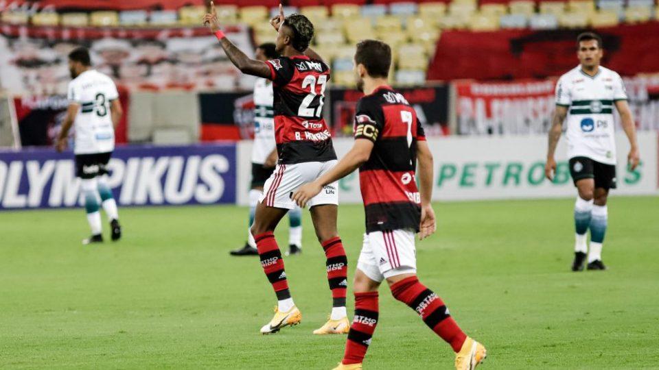Apático, Coritiba é derrotado pelo Flamengo e se complica na ZR