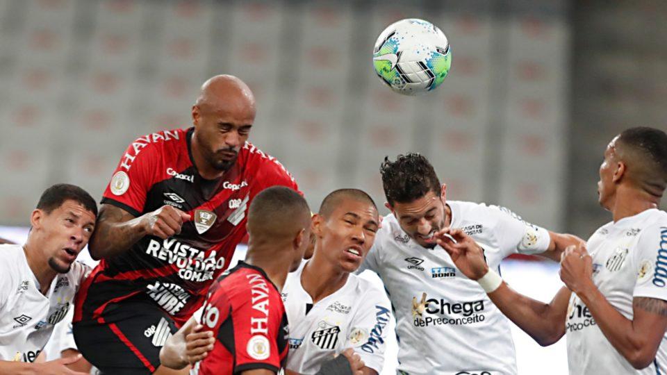 """Thiago Heleno volta a marcar pelo Athletico após 68 jogos: """"Estava precisando"""""""