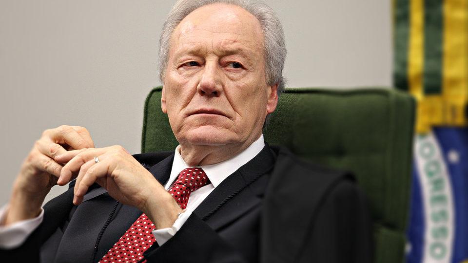 Lewandowski nega pedido para afastar Pazuello do cargo de ministro