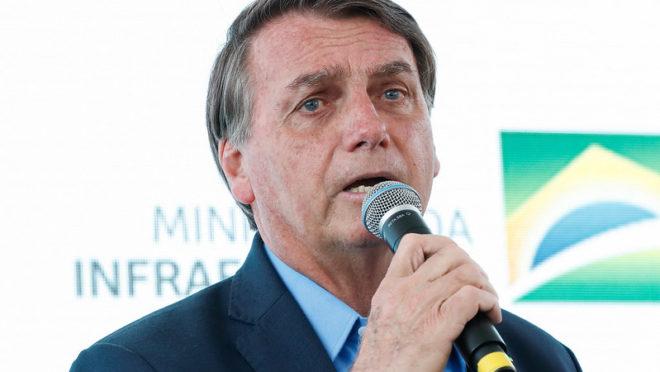 Bolsonaro diz que governo estuda medidas para atender setor de bares e restaurantes