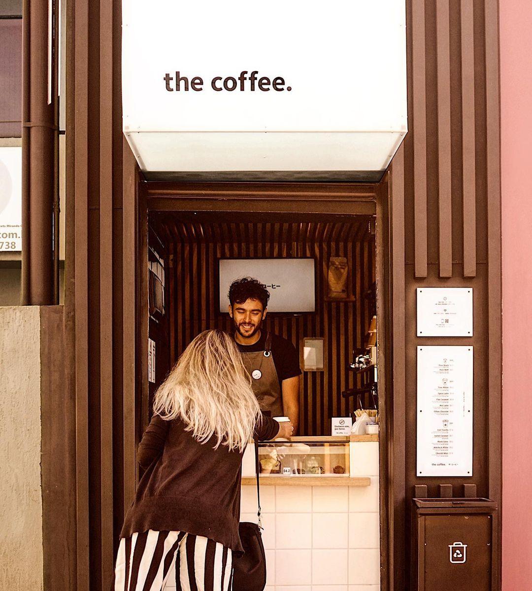 A foodtech Yhe Coffee tem conceito minimalista e tecnológico. Foto: Reprodução/Instagram The Coffee