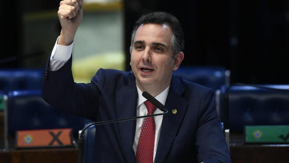 Teto de gastos não pode ficar intocado, diz Pacheco