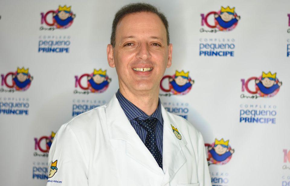 Médico Victor Horácio de Souza Costa Jr, vice-diretor técnico do Hospital Pequeno Príncipe, aponta a responsabilidade dos pais para a volta às aulas.