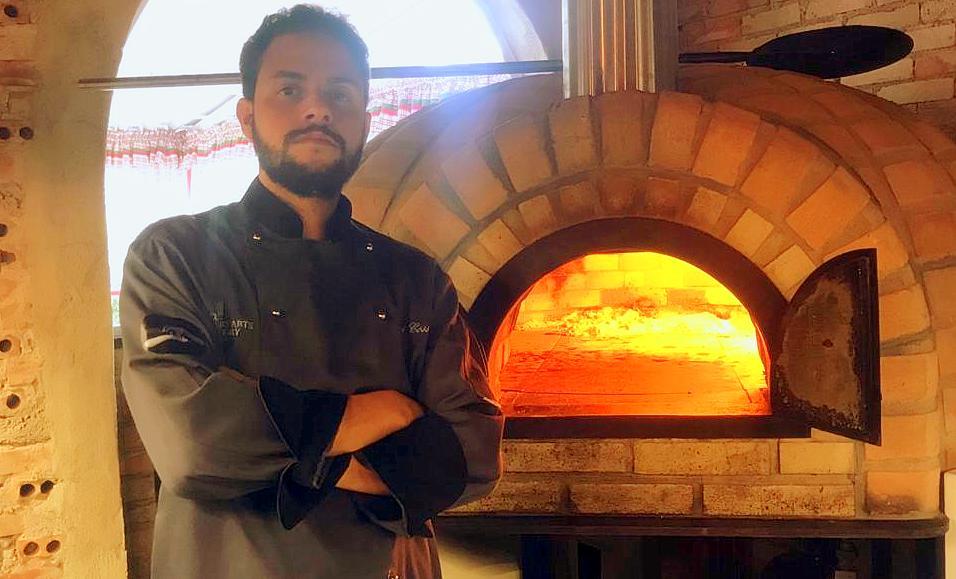 O jovem Vinícius Cossia é o sócio responsável pela nova casa. De formação gastronômica, será também o chef executivo do Italy Caffé Juvevê.